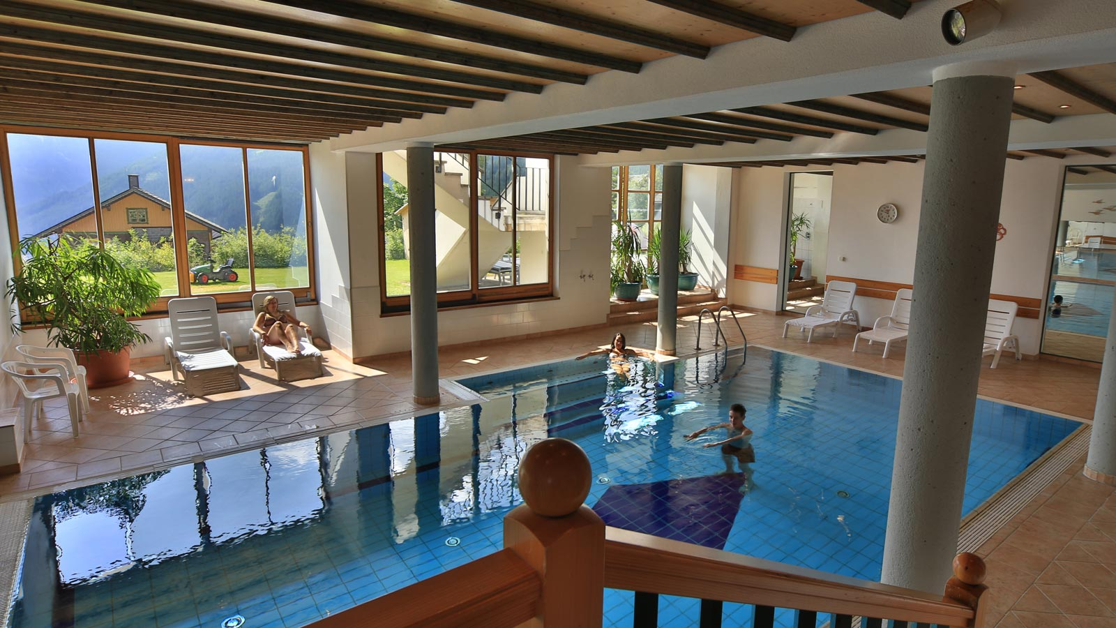 indoor pool unterwger hotel inn obertilliach - Cool Indoor Pools With Fish